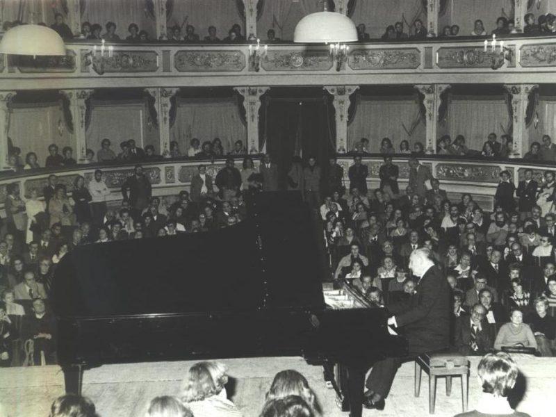 Nikita Makaloff. Concerto al Teatro Comunale