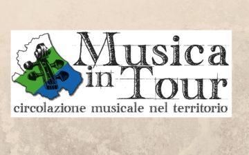 Musica in Tour. Il 12 maggio a Marruci di Pizzoli Les Petits Papiers
